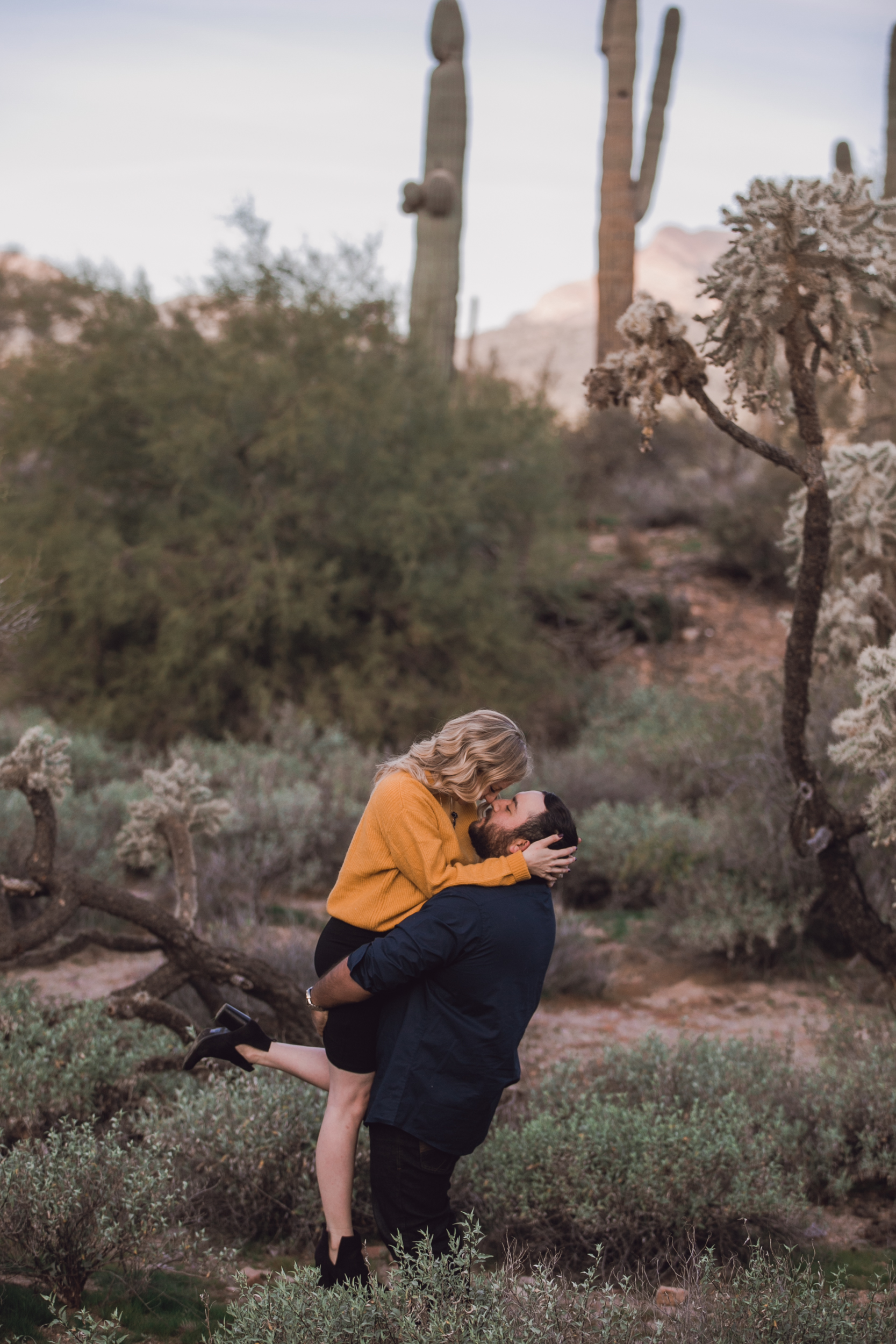 superstition mountain, superstition mountain engagement session, phoenix engagement session, arizona engagement photographer-13.jpg