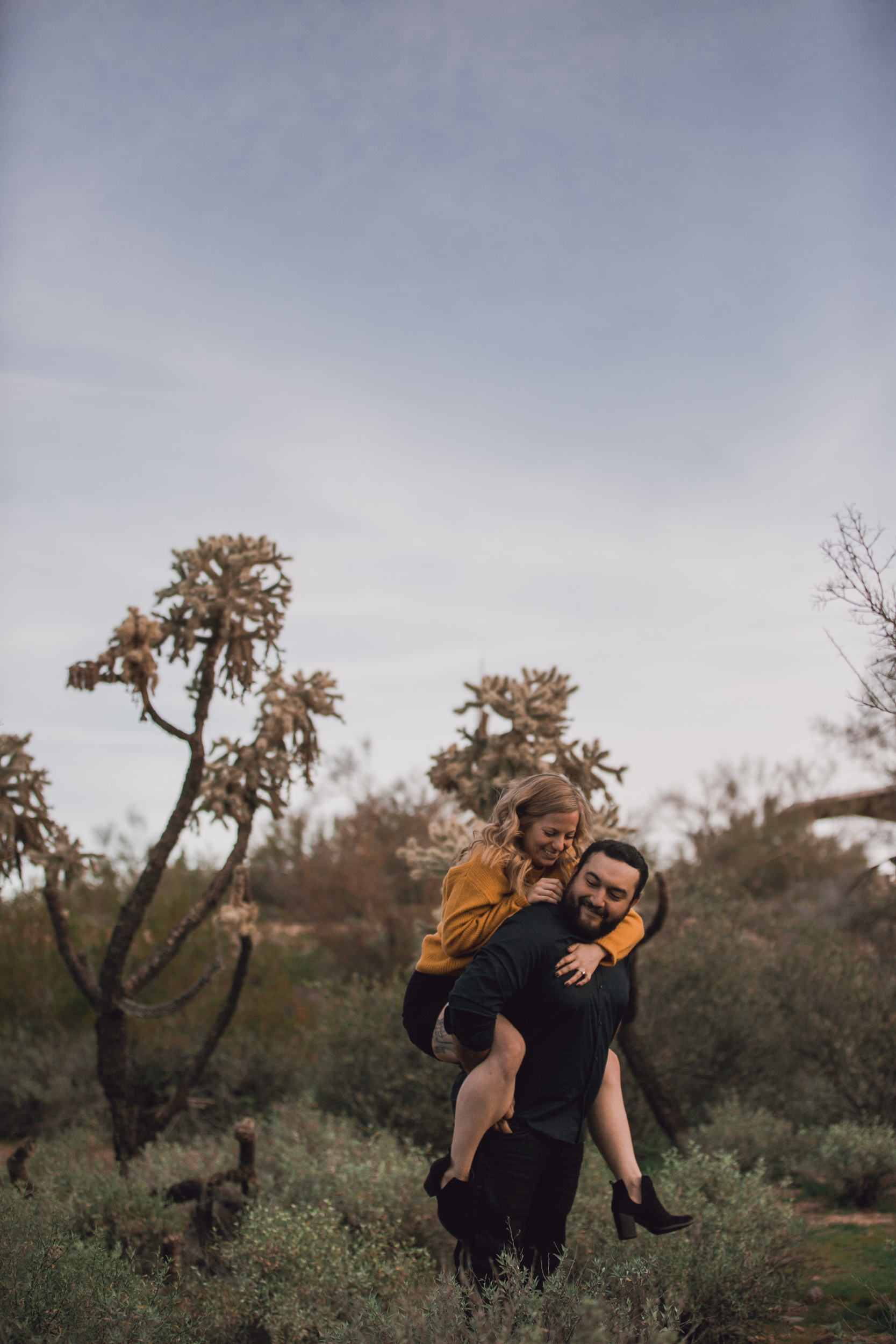 superstition mountain, superstition mountain engagement session, phoenix engagement session, arizona engagement photographer-17.jpg