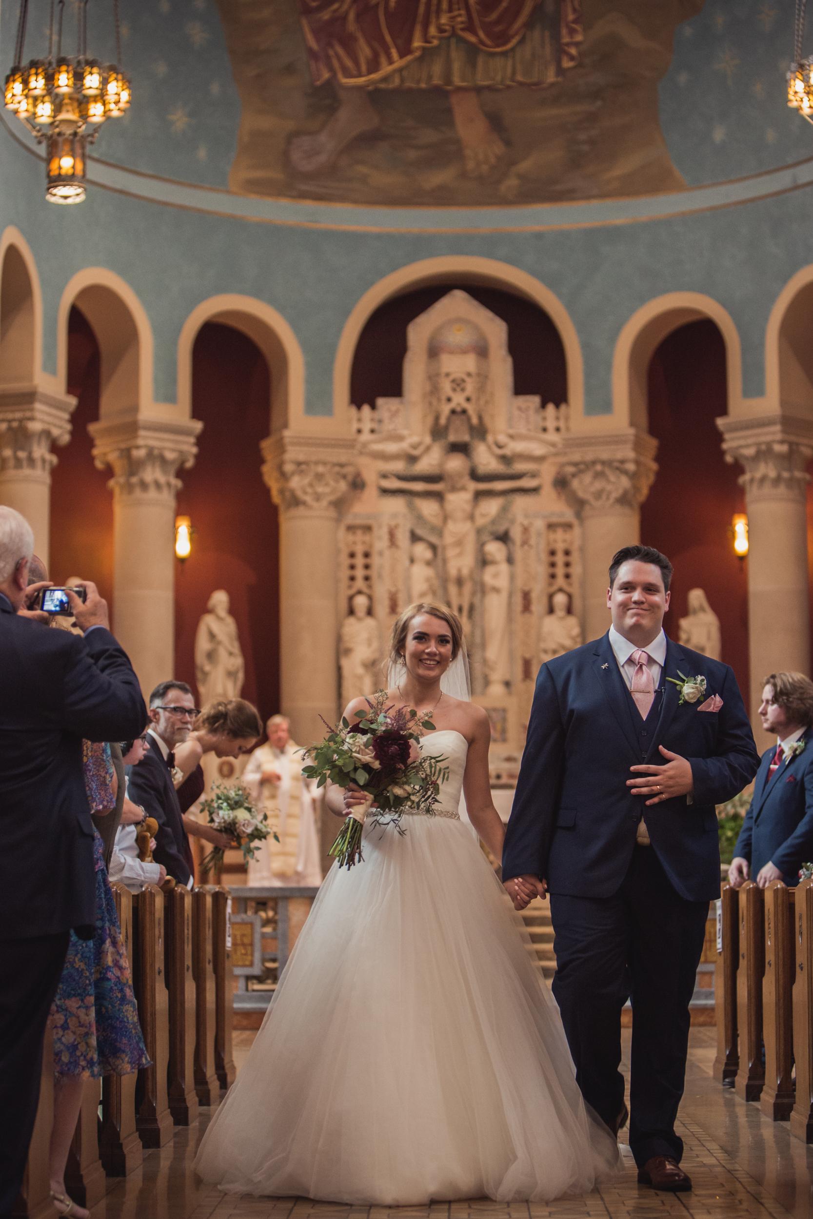 double-tree-hilton-wedding-st-paul-mn-dark-moody-photography-21.jpg