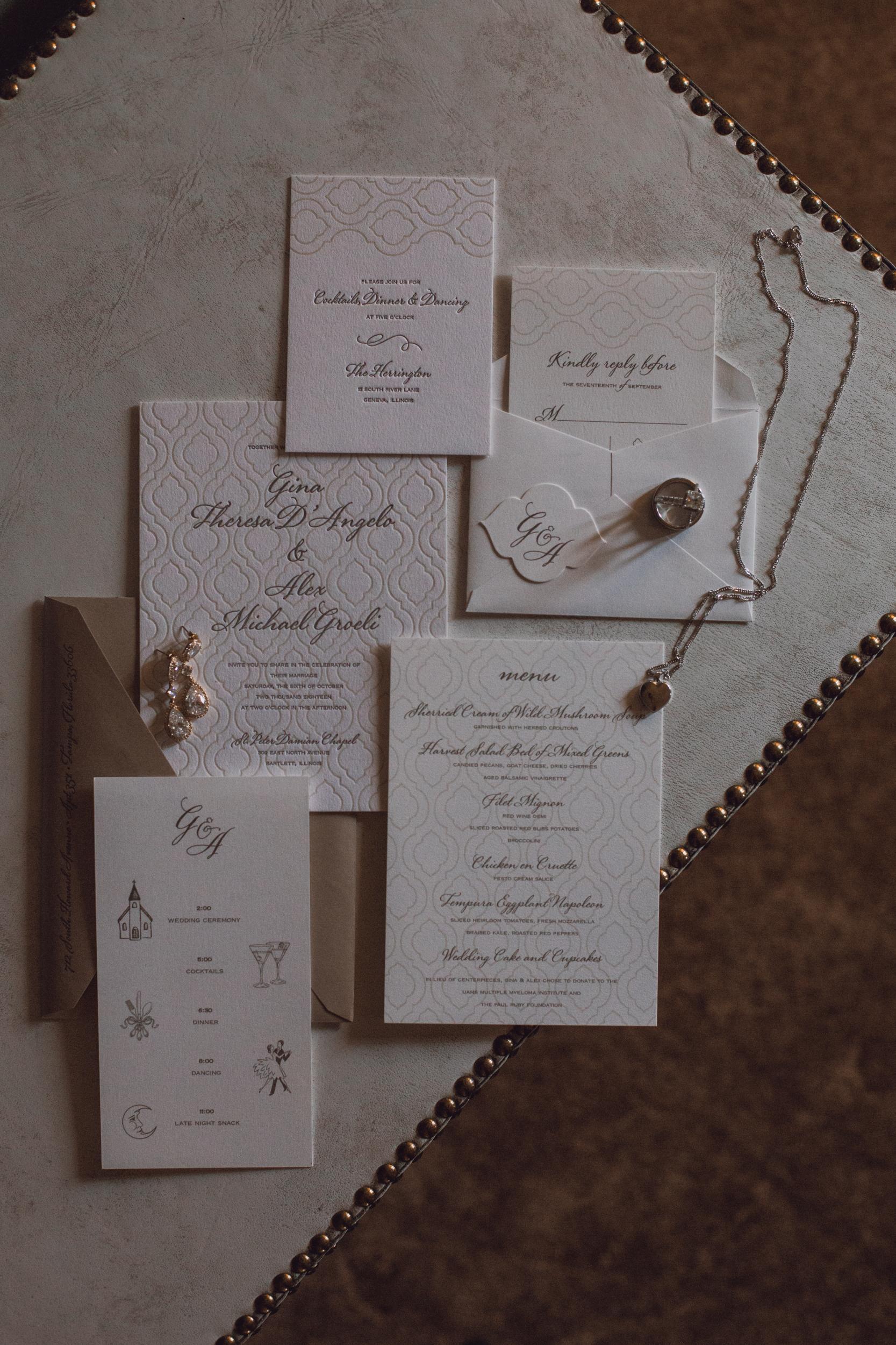 rustic-barn-wedding-dark-moody-minneapolis-2-2.jpg