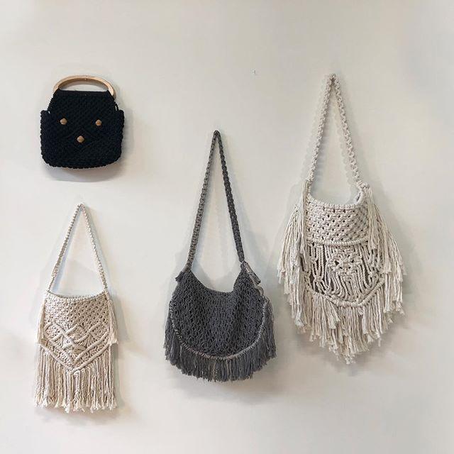 Ce temps donne envie de sortir les sacs du soleil ☀️ #macrame #handbags #sunshine #happy