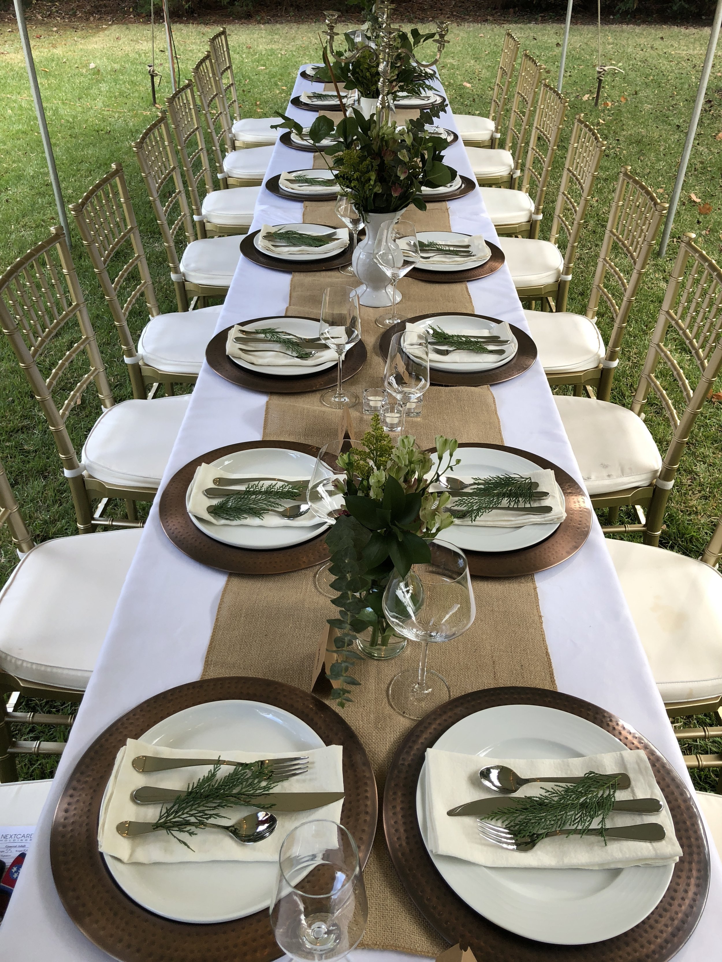 al fresco…..there's nothing better than dinner with friends outdoors at the Broadfoot Bandy House