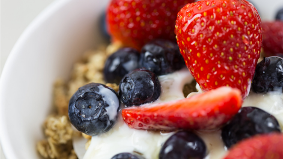 Easy no bake breakfast - yogurt parfait.