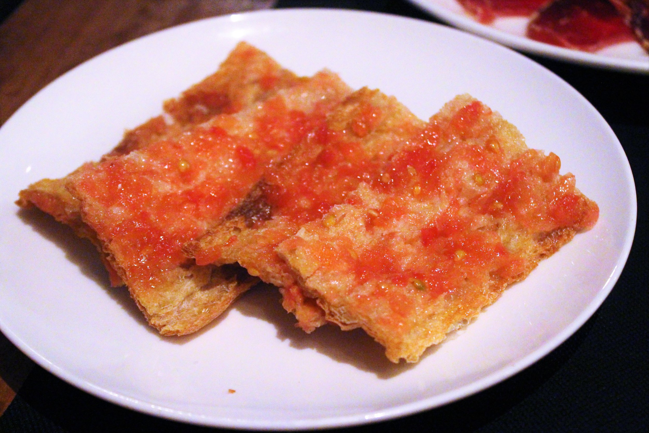 Toasted Bread with Tomato (Pan Con Tomate) at Eldiset in Barcelona