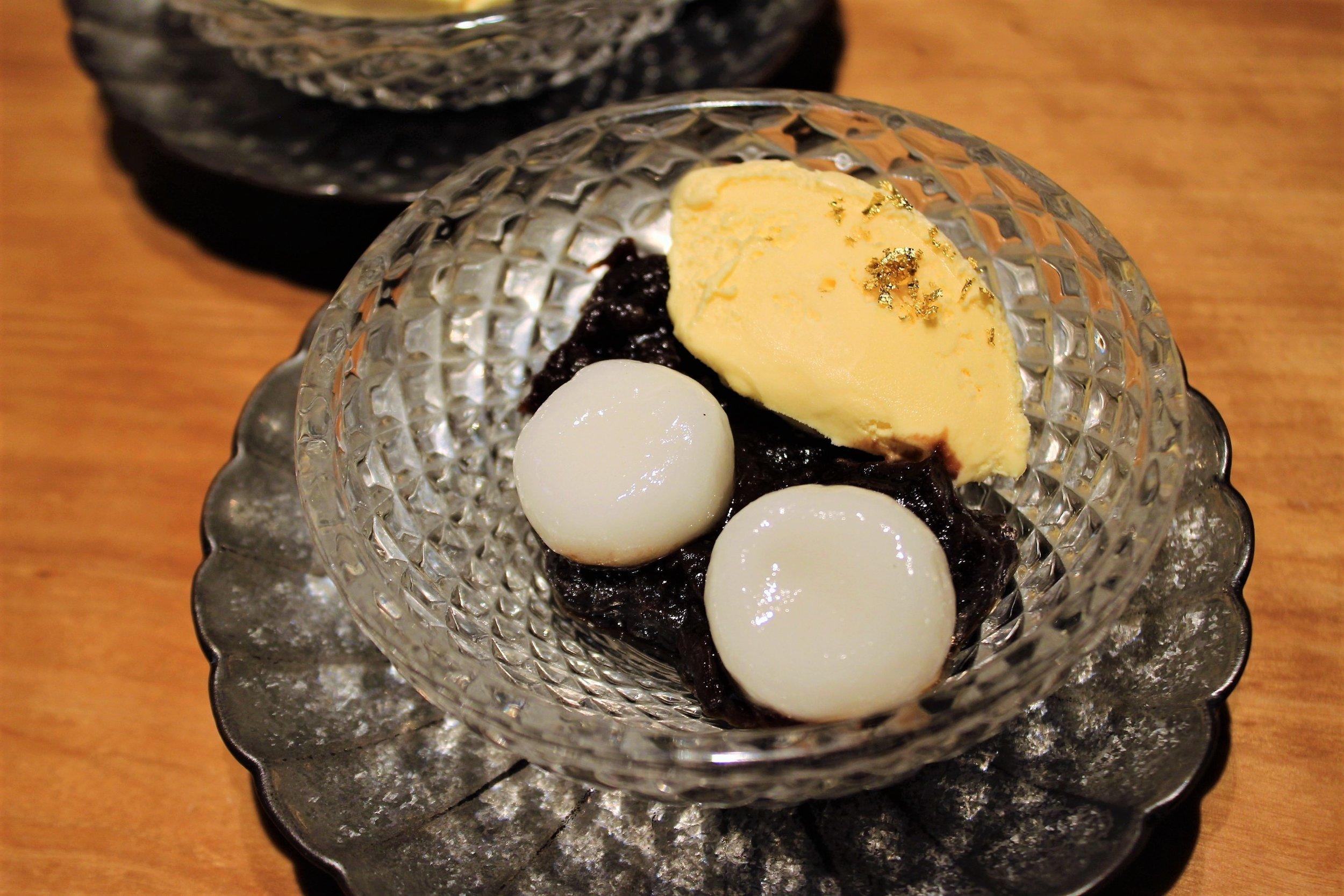 Cream Shiratama Zenzai Azuki Beans with Mochi Ball and Vanilla