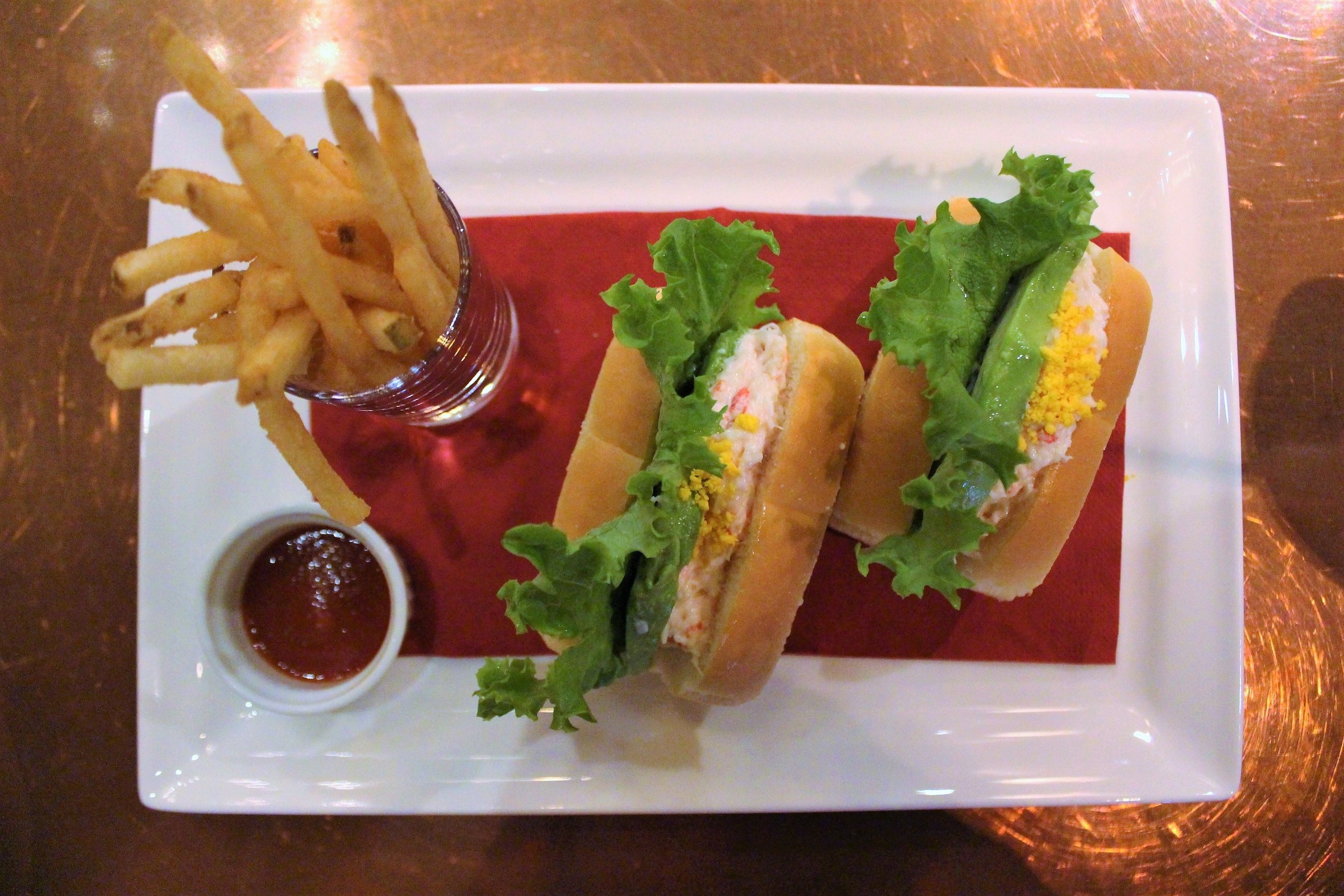 Chef's Special Sandwich with Snow Crab, Avocado, and French Fries at The Teddy Roosevelt Lounge in DisneySea Japan