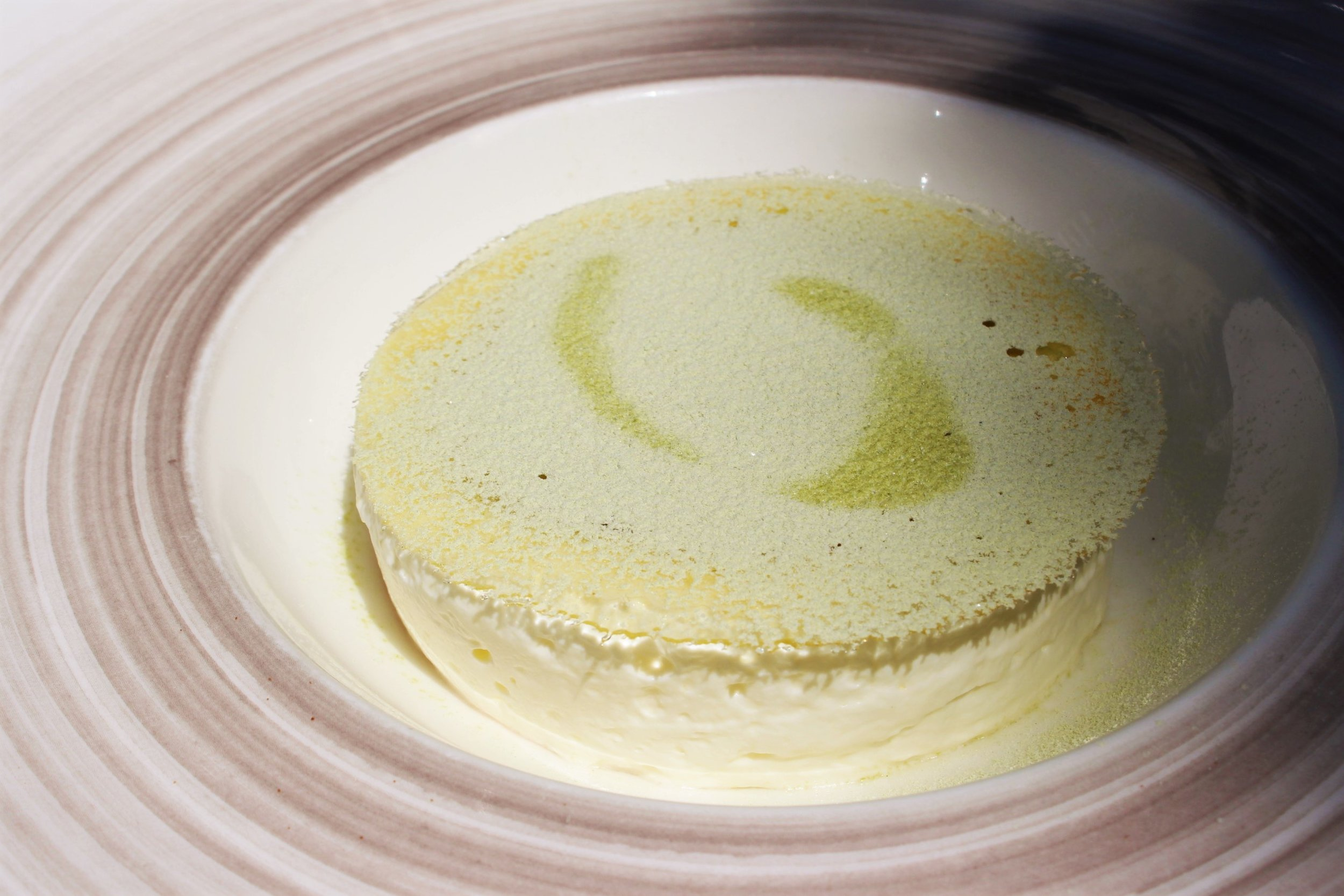 Lemon Espuma with Mango Ice Cream