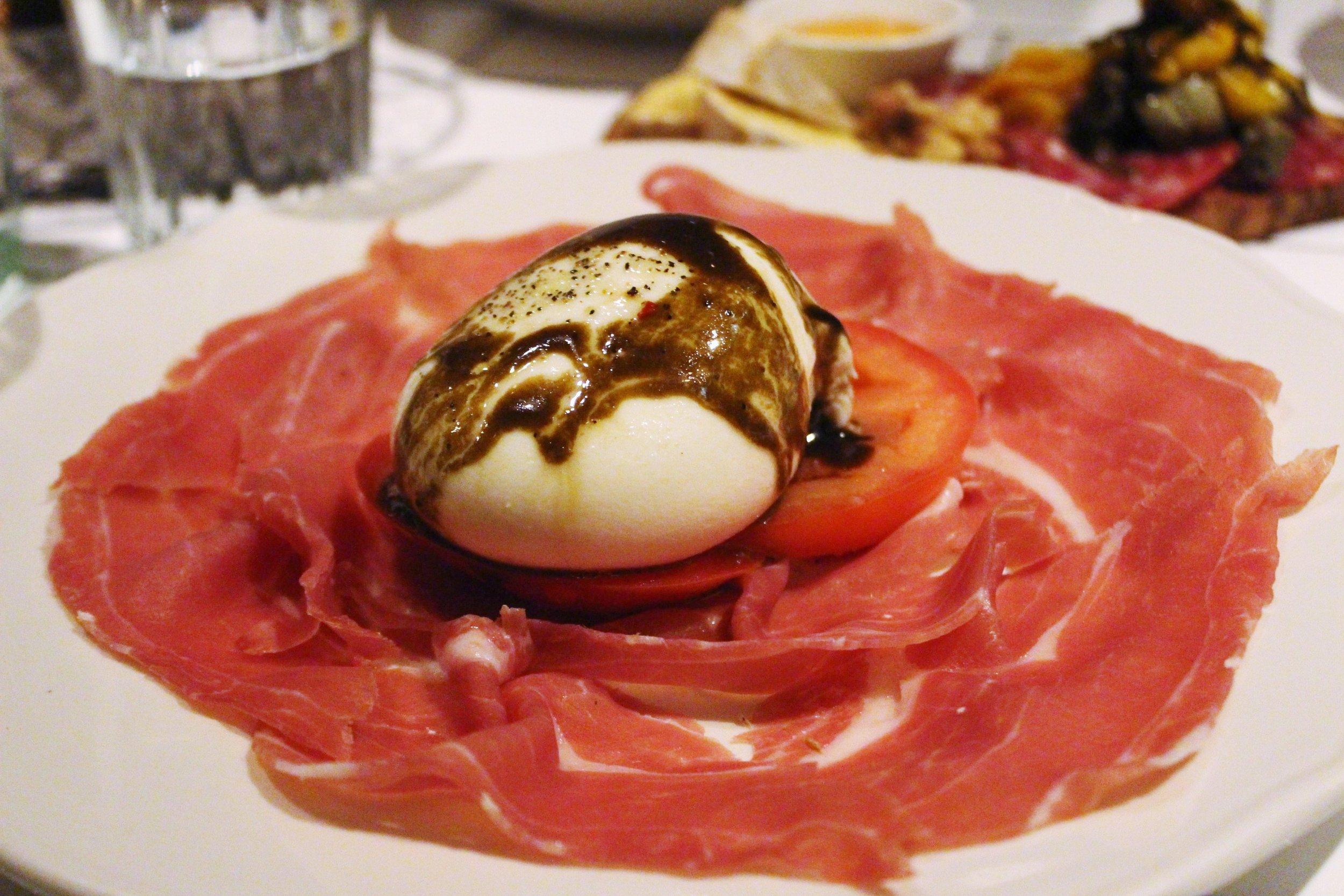 Burrata: Mozzarella, Tomato, and Prosciutto