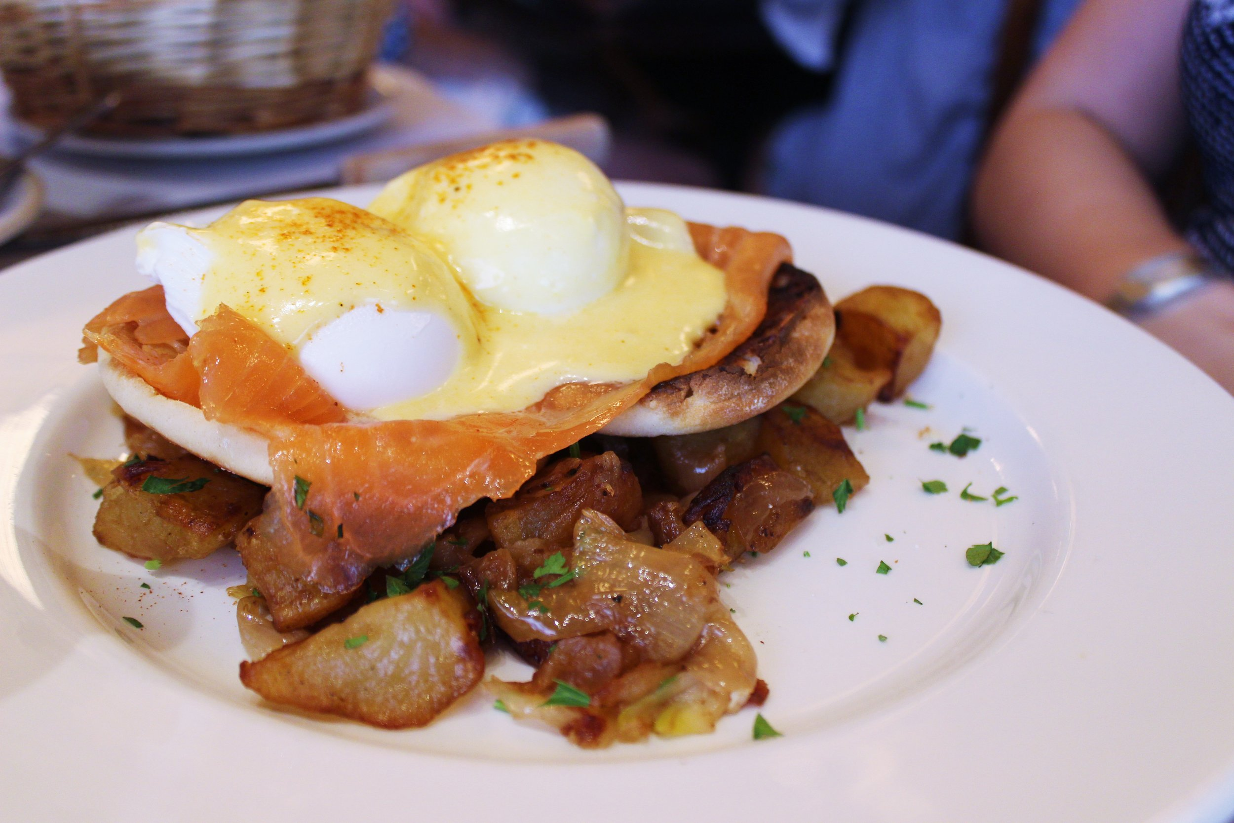 Eggs Norwegian: poached eggs with smoked salmon and hollandaise