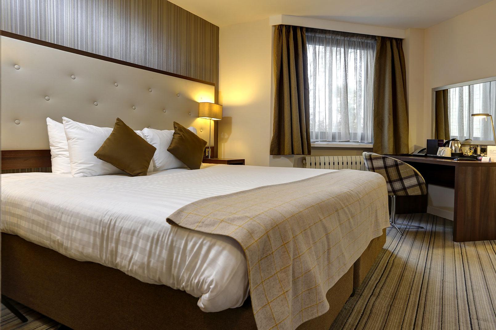 salmesbury-hotel-bedrooms-01-84220.jpg