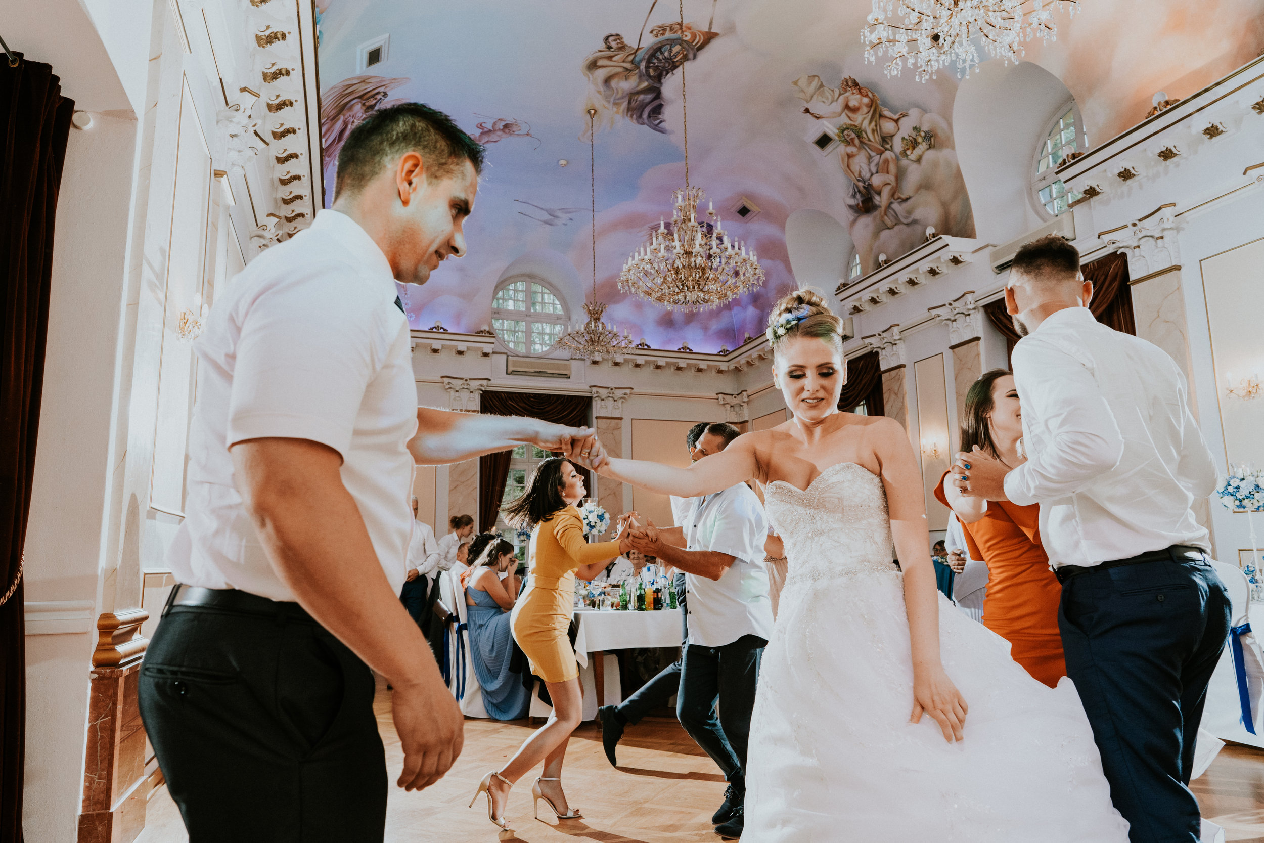 Taniec w pałacu