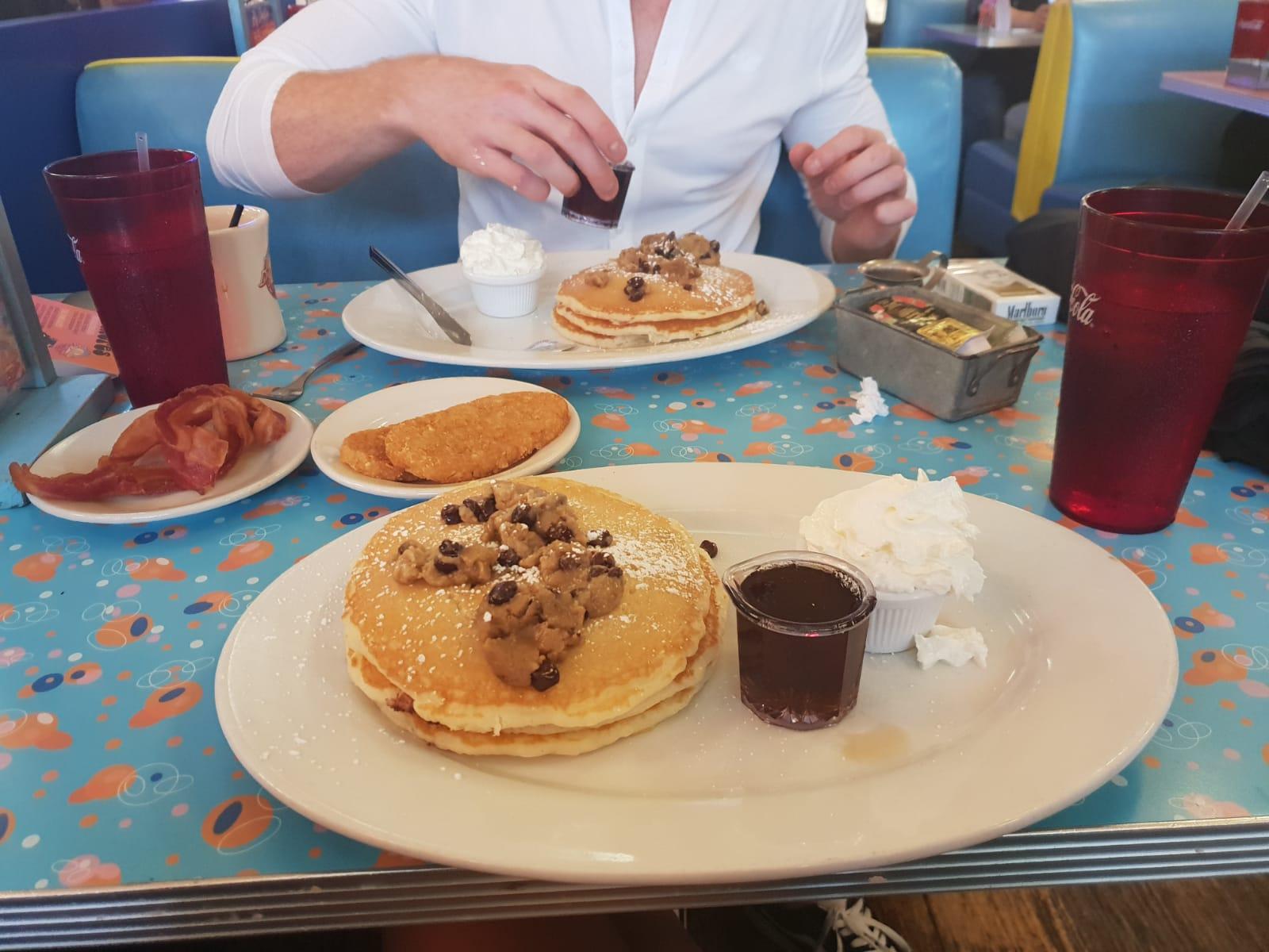 Big-Daddy's-new-york-gramercy-manhattan-best-restaurants-best-food-pineapple-princess