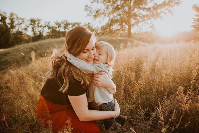 Dear Instagram, I've been neglecting you. Please forgive me? Let's embrace in the warm sunset 😂 • • • #sixeightproductions#sixeightstories#stlouis#stlouisphotographer#belleville#ofallon#mascoutah#scottafb#thefamilycollective#familyphotographer#goldenhour