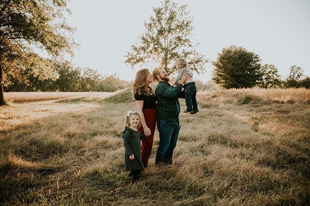 Seriously obsessed with this sweet family. I love getting to witness these amazing moments. • • • #sixeightproductions#sixeightstories#stlouis#stlouisphotographer#amarillo#mascoutah#belleville#ofallon#thefamilycollective#familyphotographer