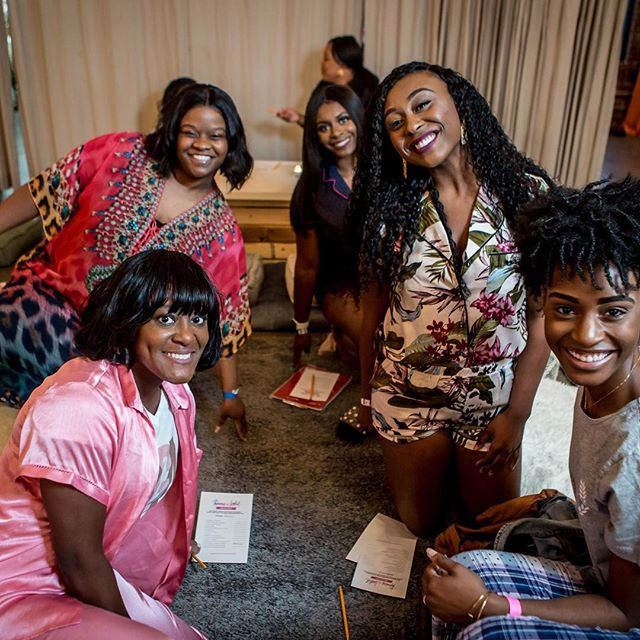 Gorgeous gals at #pajamasandlipstick Atlanta! Tag them if you know them 😊😊 How many of you met new friends at the event? 👋🏾👋🏾👋🏾