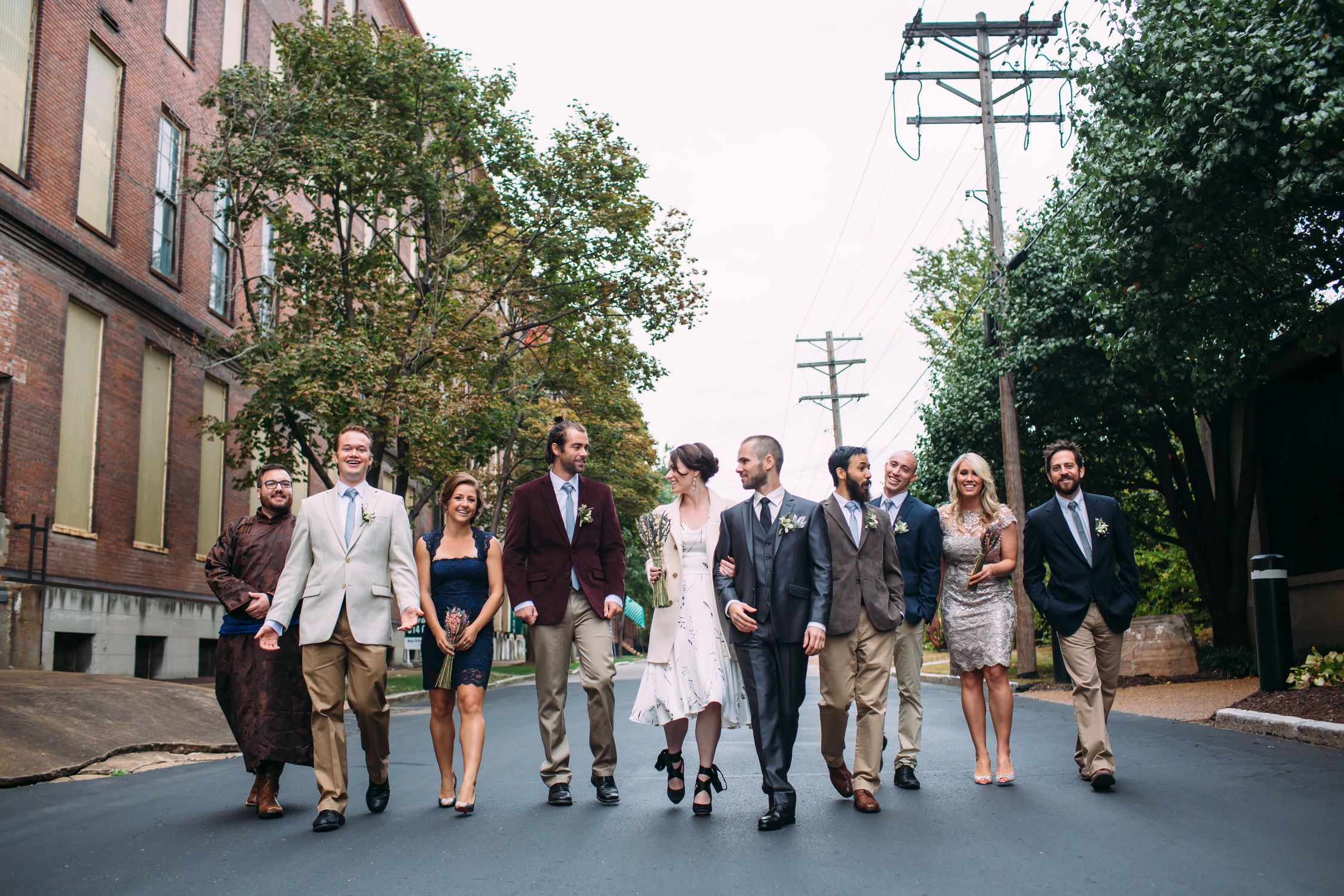 Wedding party photos, group photos at a wedding, relaxed wedding photos, Seattle Wedding Photographer, alternative wedding
