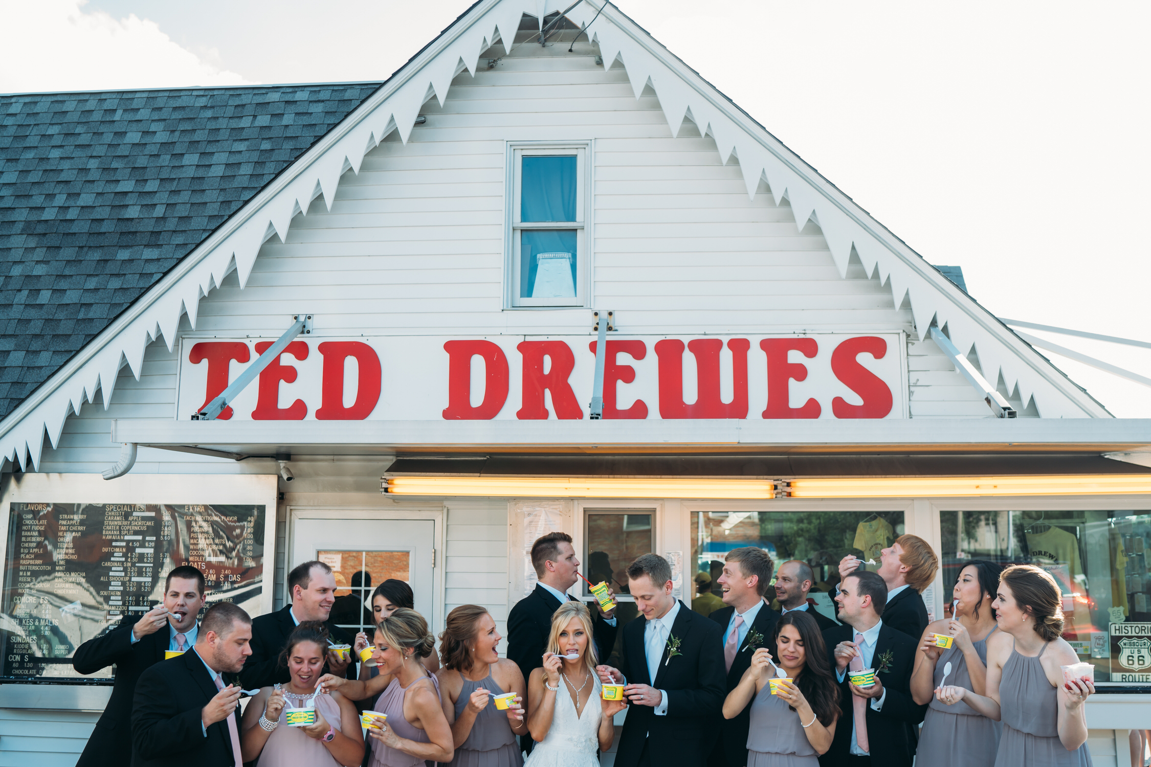 Wedding party photos, group photos at a wedding, relaxed wedding photos, St Louis Wedding Photographer, Wedding photos at Ted Drewes
