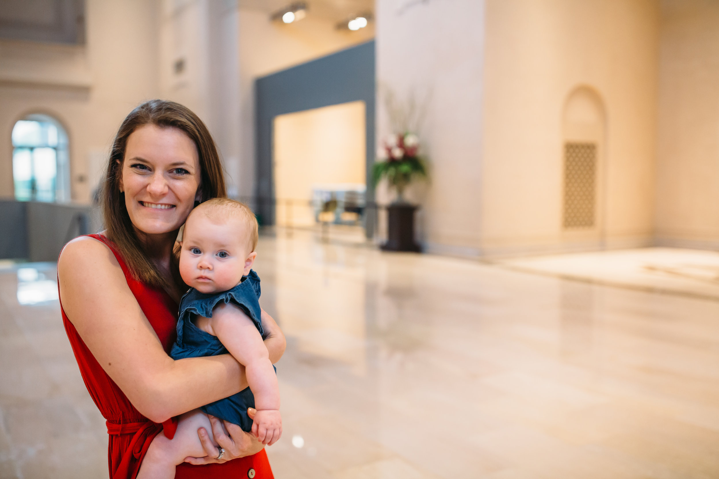 Mother and Daughter, St Louis Art Museum, Lifestyle Family photographer, young mom with ALS