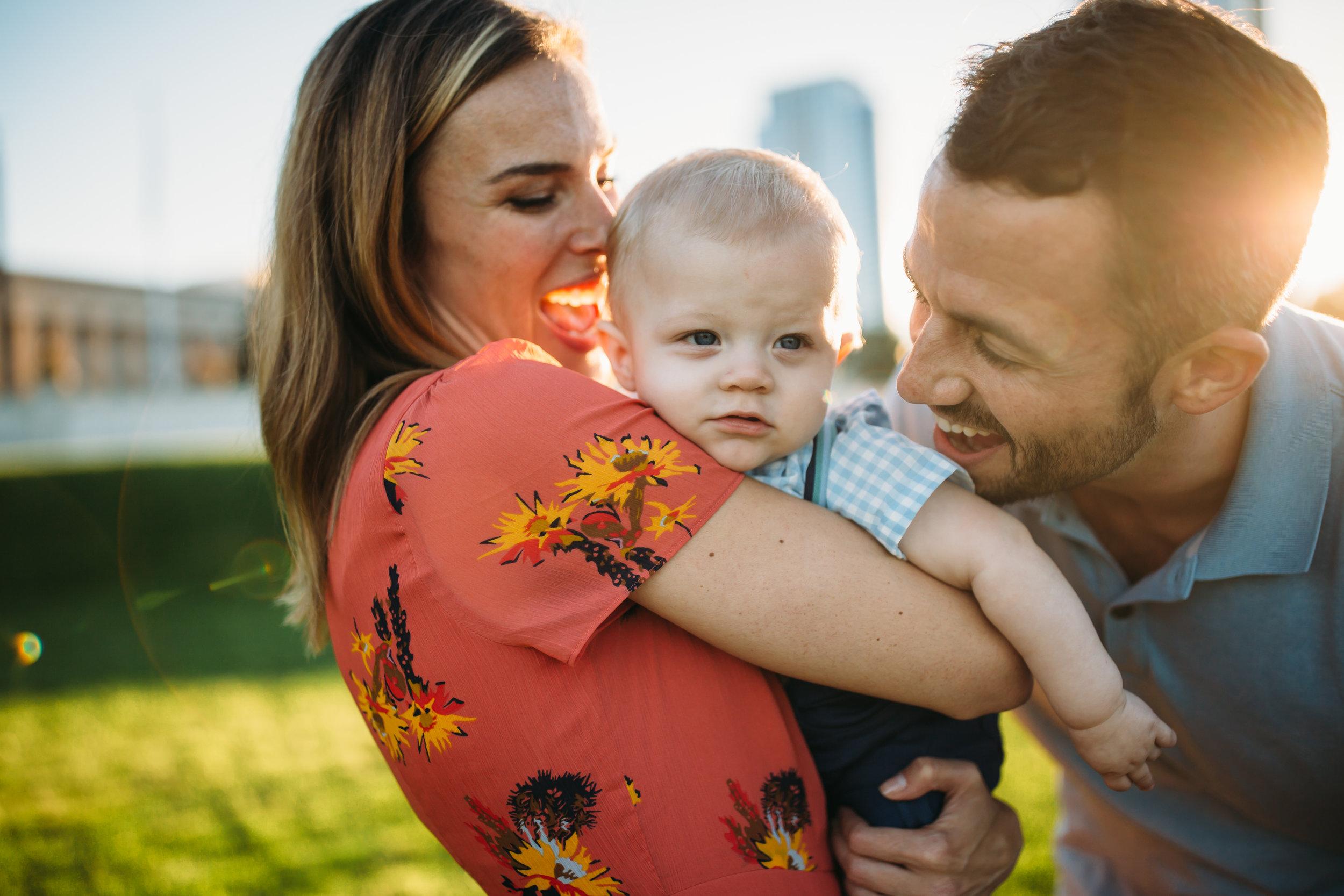 family photos denver  Family photos in the city, family photography Chicago, fun family photos, relaxed family photos,  Real family photos, family photographer
