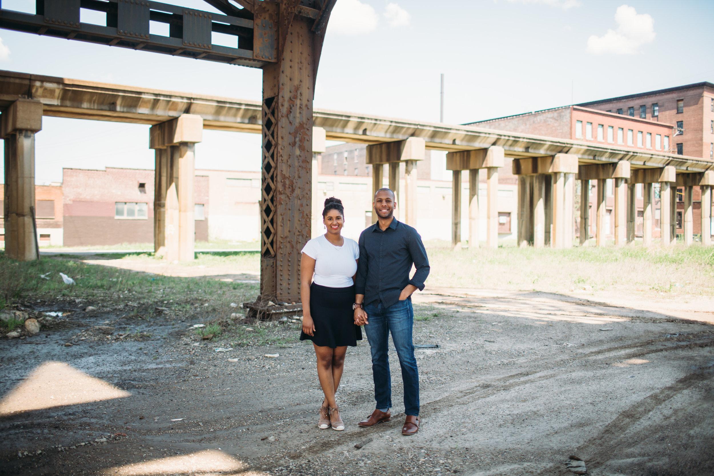 fun couple photos, relaxed couple photos, real couple photos, urban couple photos, chicago couple photos,