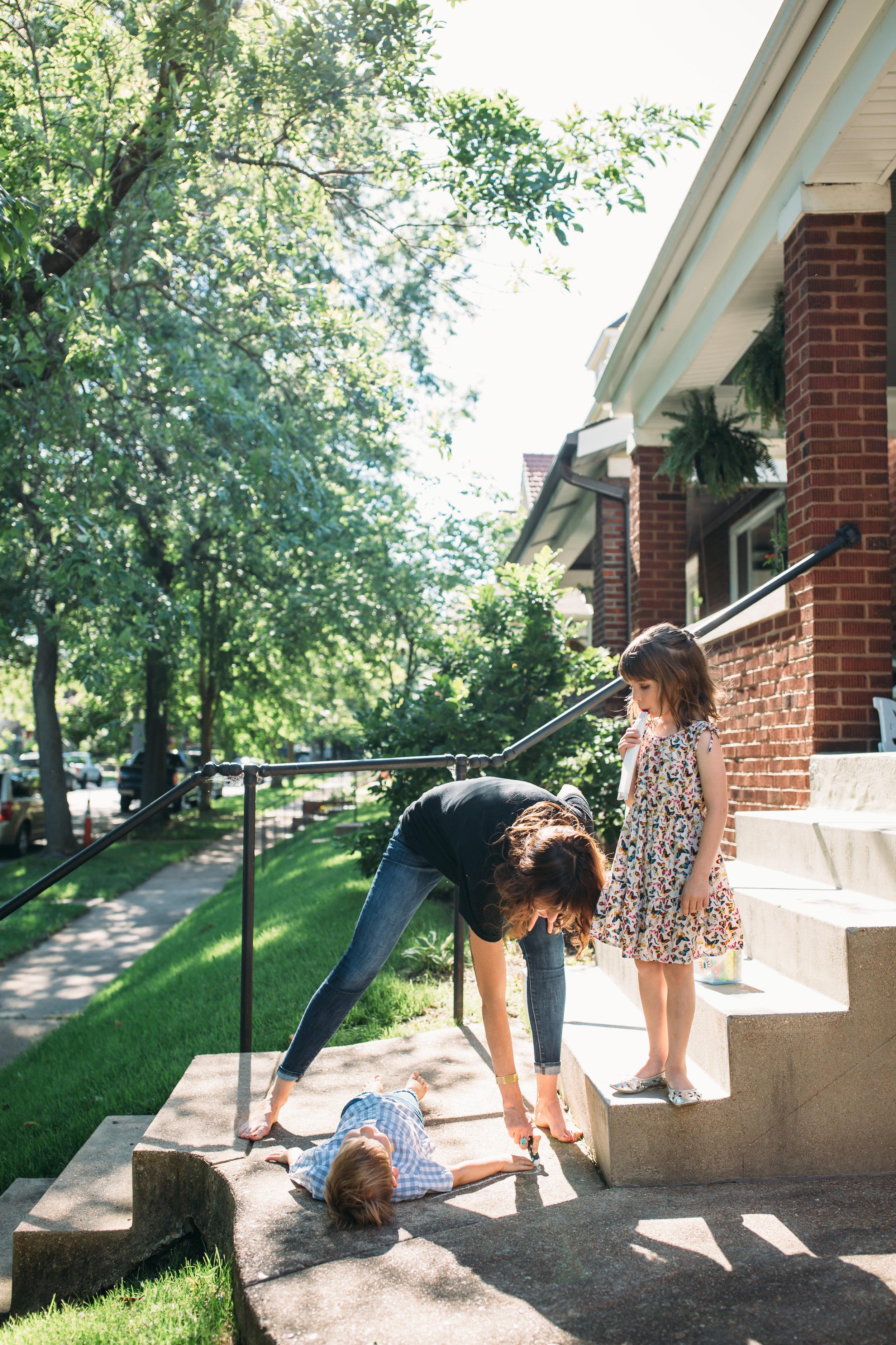 family photos denver, family photos in the city, family photography Chicago, fun family photos, relaxed family photos