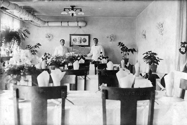 dining_R1.5-p5_1918.jpeg