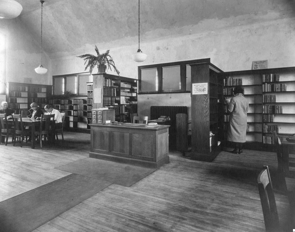 The Robbinsdale Library in the 1920s. (Photo: HCL, James K. Hosmer Special Collections)