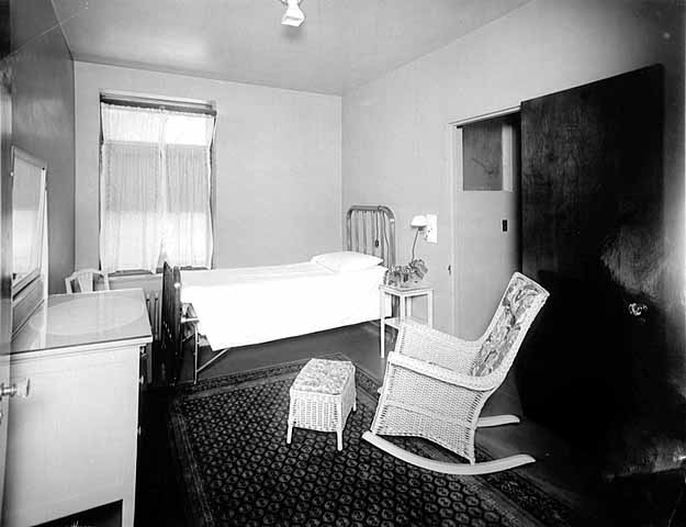 Private Room at Ripley Memorial Hospital in 1922. Photo: MNHS (MH5.9 MP7.1 p26)