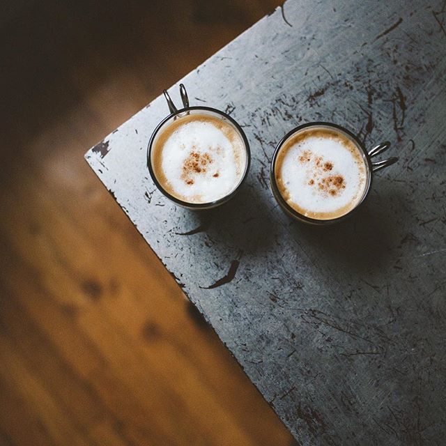 """Mi Niña, ven a tratar este cafecito bueno."" . . . . . . . #ohyouredominican #photoseries #latinas #riszos #cotui #dominicano #dominicangirls #washingtonheights #bx #nyc #harlem #culture #photography #dominicana #delomio 📷: @rayneutron"