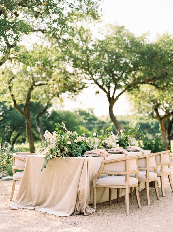 Elegant Garden Table 13.jpg
