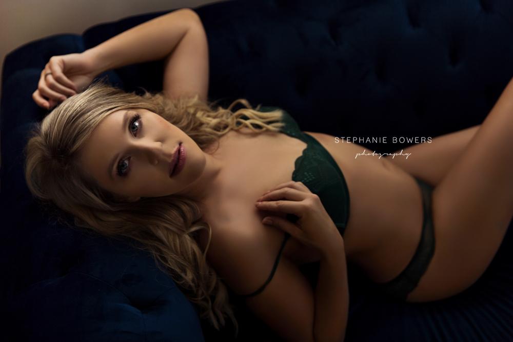 d7612-KylieBoudoir_07.jpg