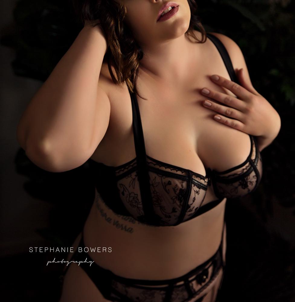 Ellie Boudoir_15.jpg