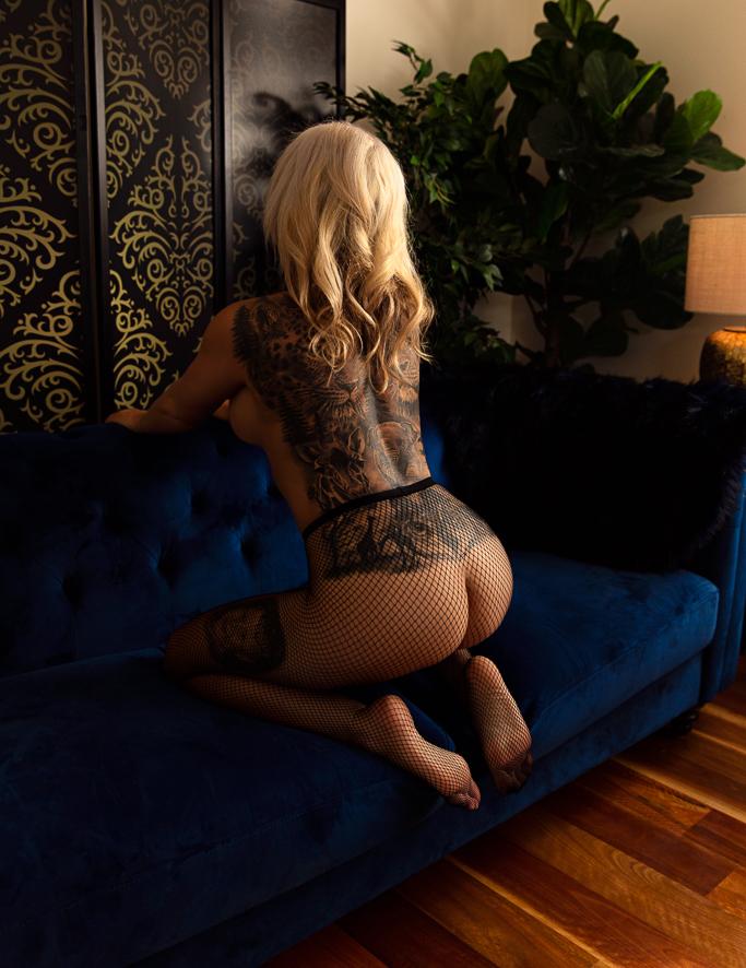 Kristy Boudoir_031.jpg
