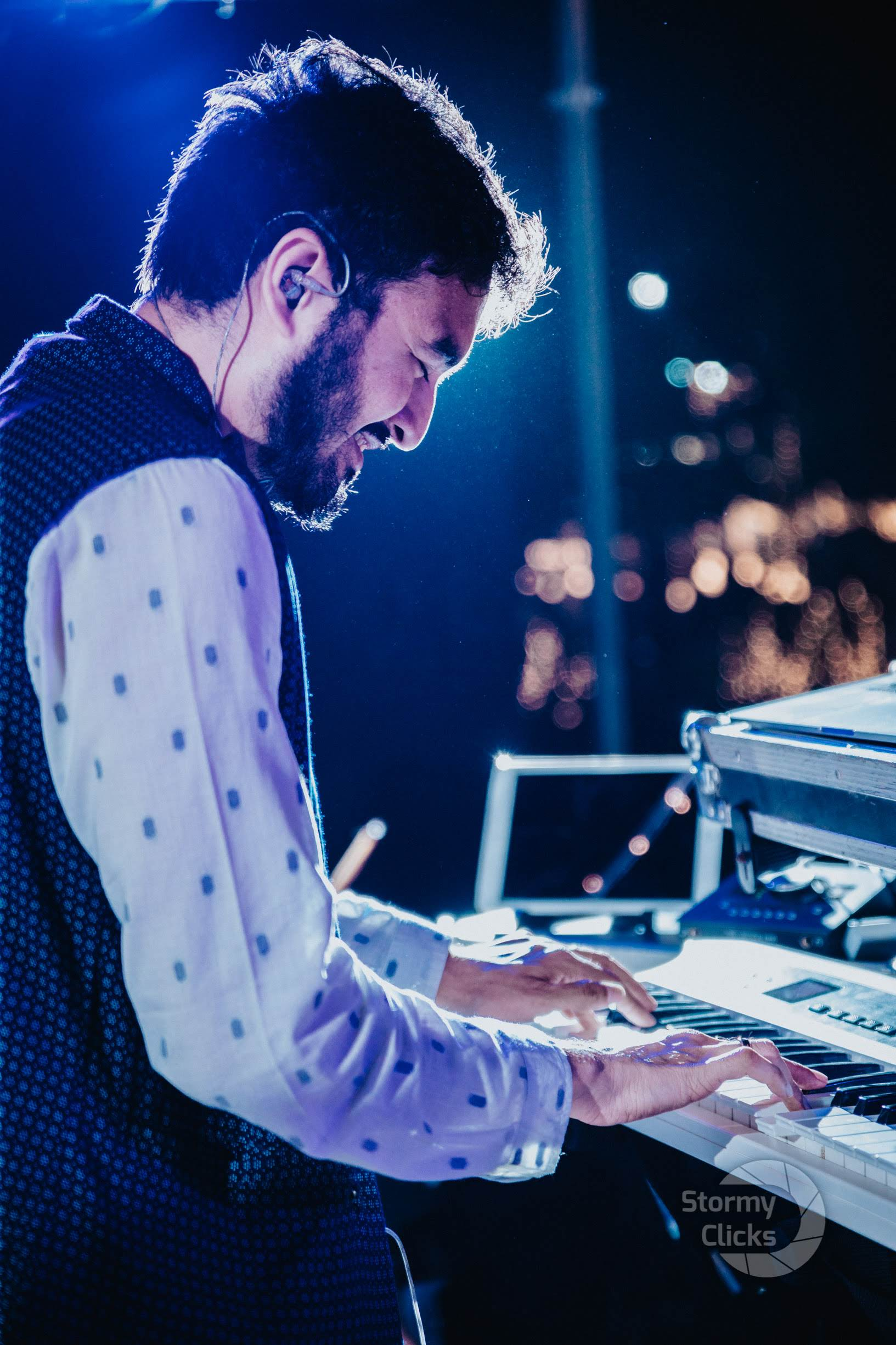 Girinandh is the Founder and producer of Oxygen Band and Aura Music Studios in Chennai.  He started playing keys since age 5.  He has composed jingles for corporate brands, music for web series, and worked on several Indian films.