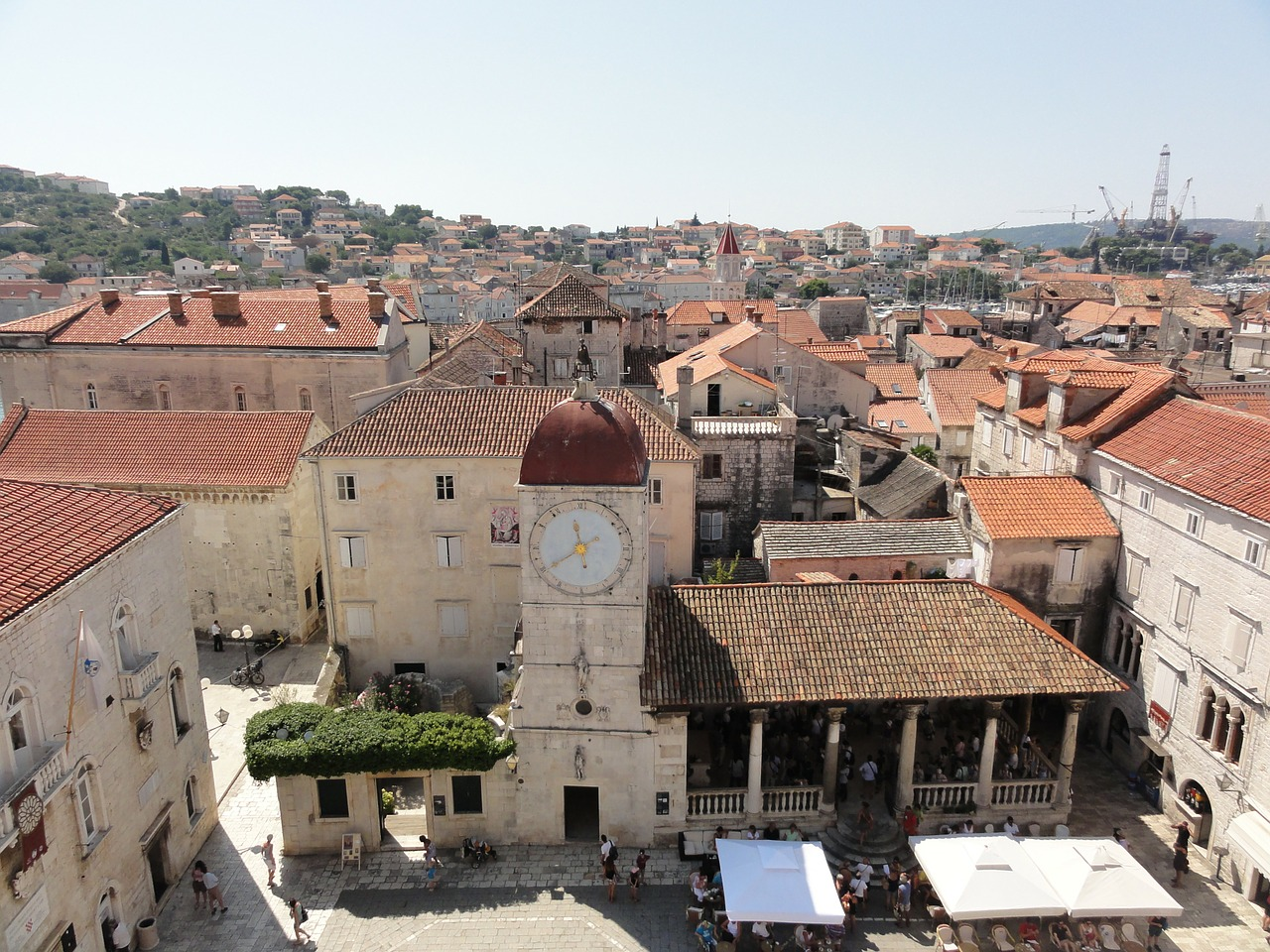 above-the-roofs-of-trogir-73175_1280.jpg