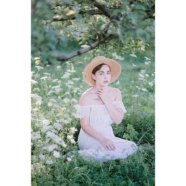 More from our set at #alysonsorchard from a few days ago! Looking forward to this weekend and our trip to the West Coast next week!  #josevillapresets #fortheloveoffilm #pretty #emotive #emotion #whimsy #whimsical #art #fineart #myart #story #narrativeportraits #takeportraits #makeportraits #ishootmirrorless #fuji #fujifilm #fujifilmxt3 #zacharystonephotography