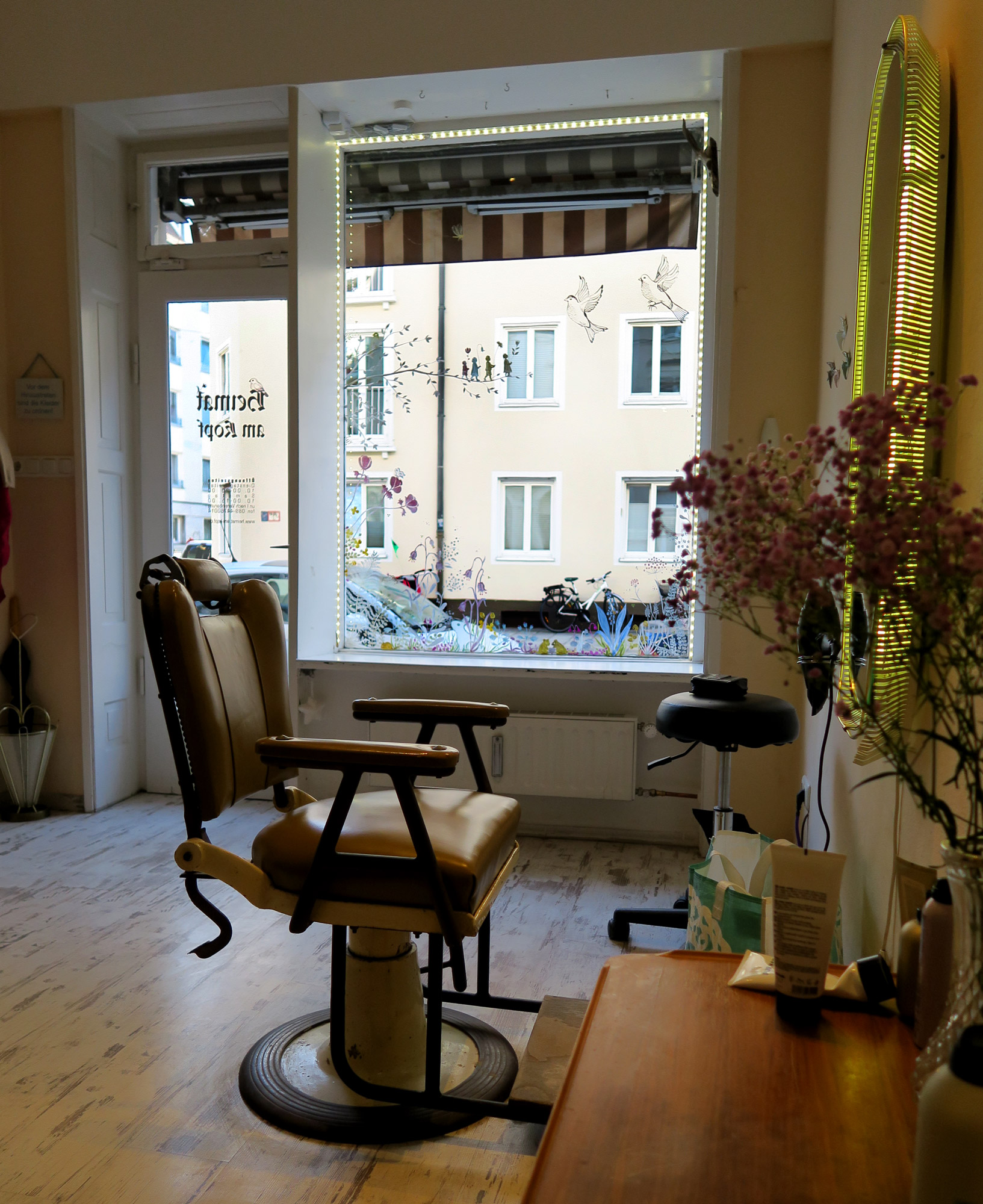heimat-am-kopf-window-salon.jpg