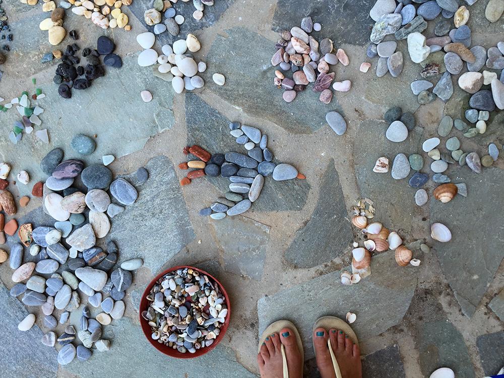02-mosaic-lala-material-pebbles.jpg
