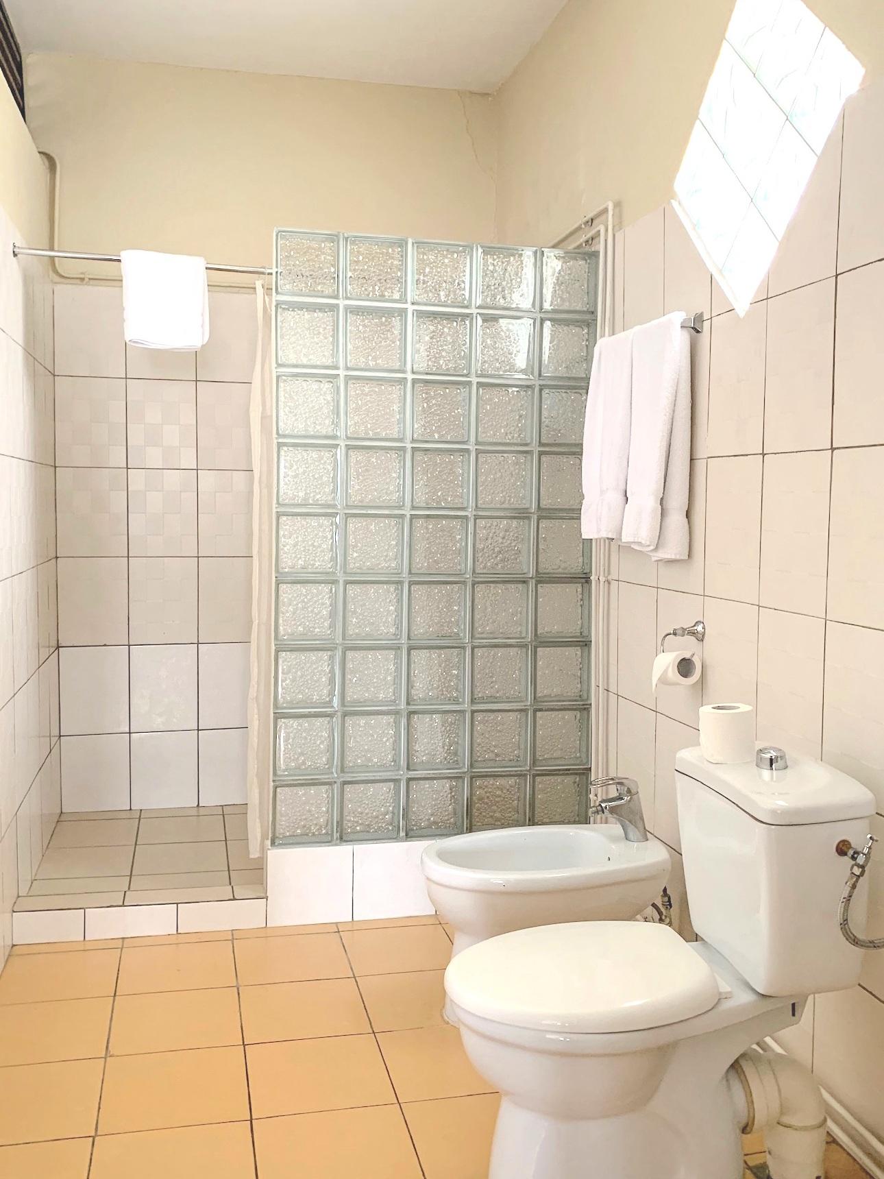 salle de bain et toilettes