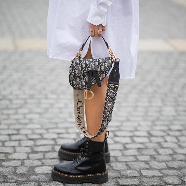 It's almost Dr. Martens weather! Praise be 🙌🏼 via @graziauk . . . . . . . . #fashiongram #fashionblog #fashion #instastyle #style #fashionoftheday #instafashion #discoverunder5k #thebuzz #blog #drmartens #fall #autumn #fallfashion #autumnfashion #bootseason #boots #chunky #punk #dior #graziauk #grazia #iconic #vegan #vegandrmartens