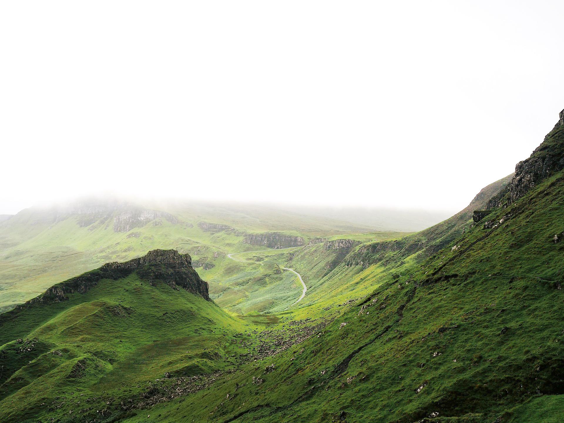 Irish-Pure-Hundefutter-Landschaft.jpg
