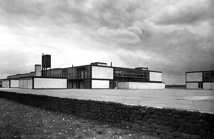 L'école secondaire de Hustanton, Norfolk, Alison et Peter Smithson   1949-45  © Forcevitalemalaquais