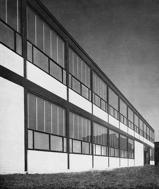 Alumni Memorial Hall Institut d'Illinois, Mies Van der Rohe   1945-46  © Brutalismus