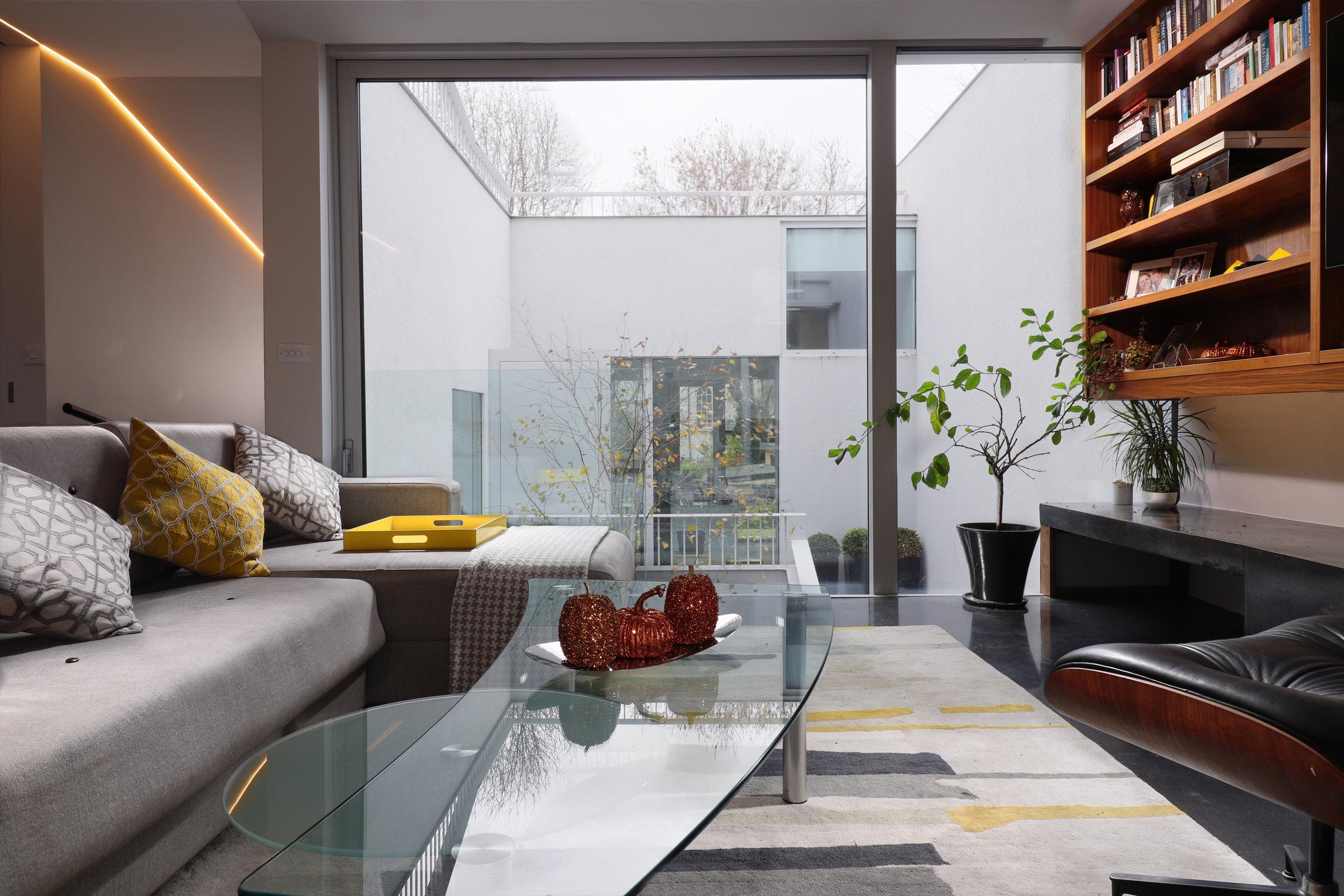 sitting room - 2.jpg