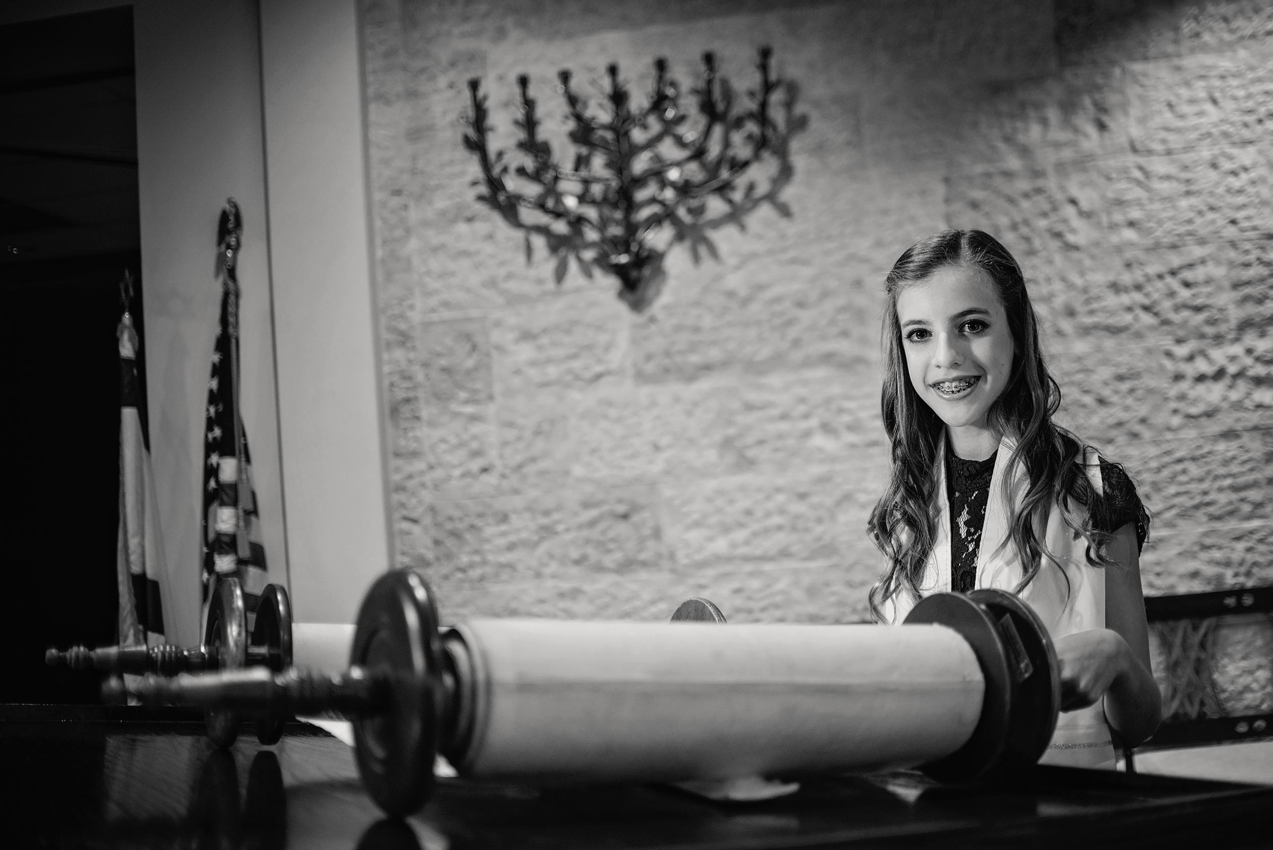 Ava Mitzvah-112bw.jpg