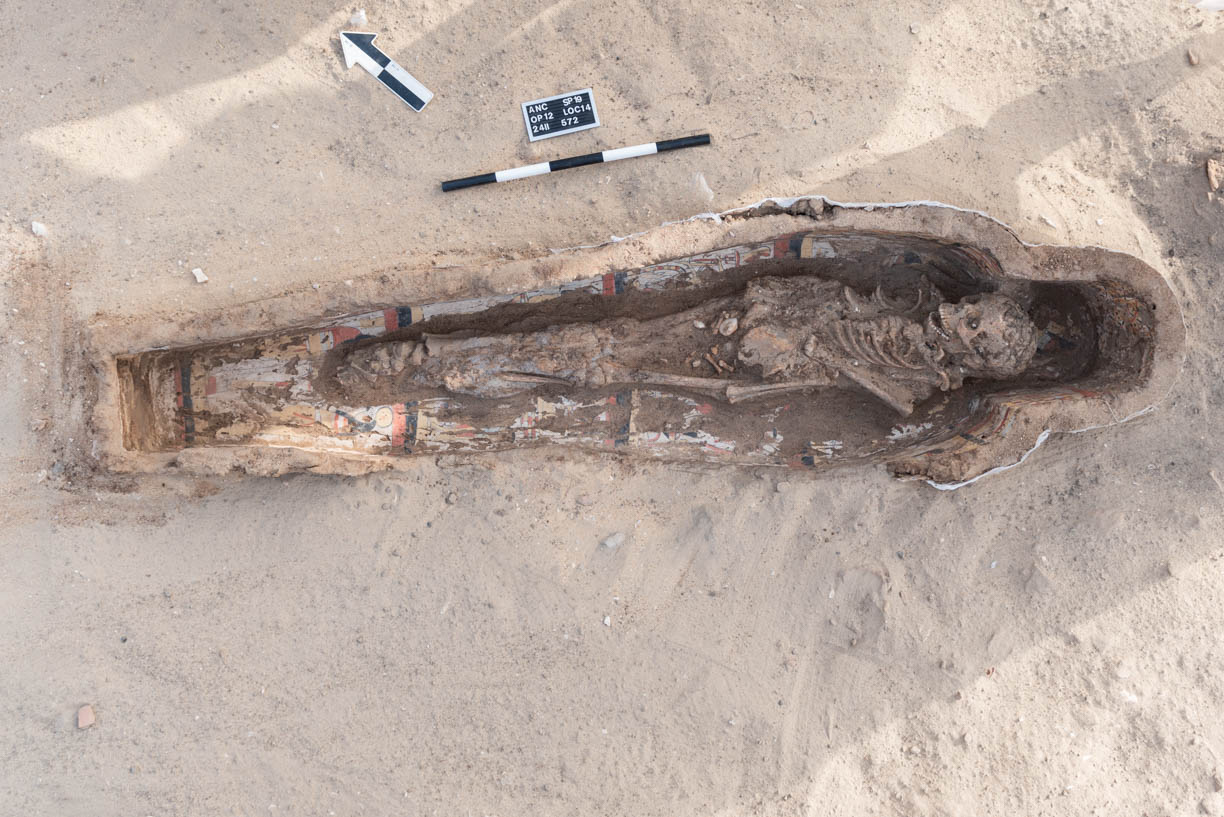 Fig. 16. Burial fully exposed in situ. Photo: Ayman Damarany / North Abydos Expedition © 2019