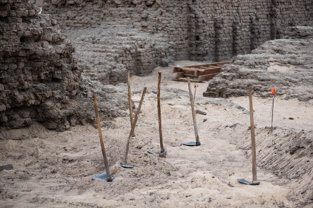 Fig. 1. The  tureya , a traditional Egyptian field hoe, is one of the most common and instantly recognizable features of archaeological excavation in Egypt — seen here outside the east corner gateway of the Shunet el-Zebib at Abydos. Photo: Ayman Damarany / North Abydos Expedition © 2019