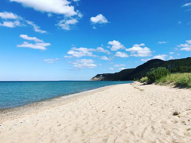 You know when you love something so much your heart feels like it might burst? That's how I feel when I'm on this shoreline, especially on a late summer's day. ☀️🌊💗 #gloriousaugust #sweetwatersea #shoreline #michigan