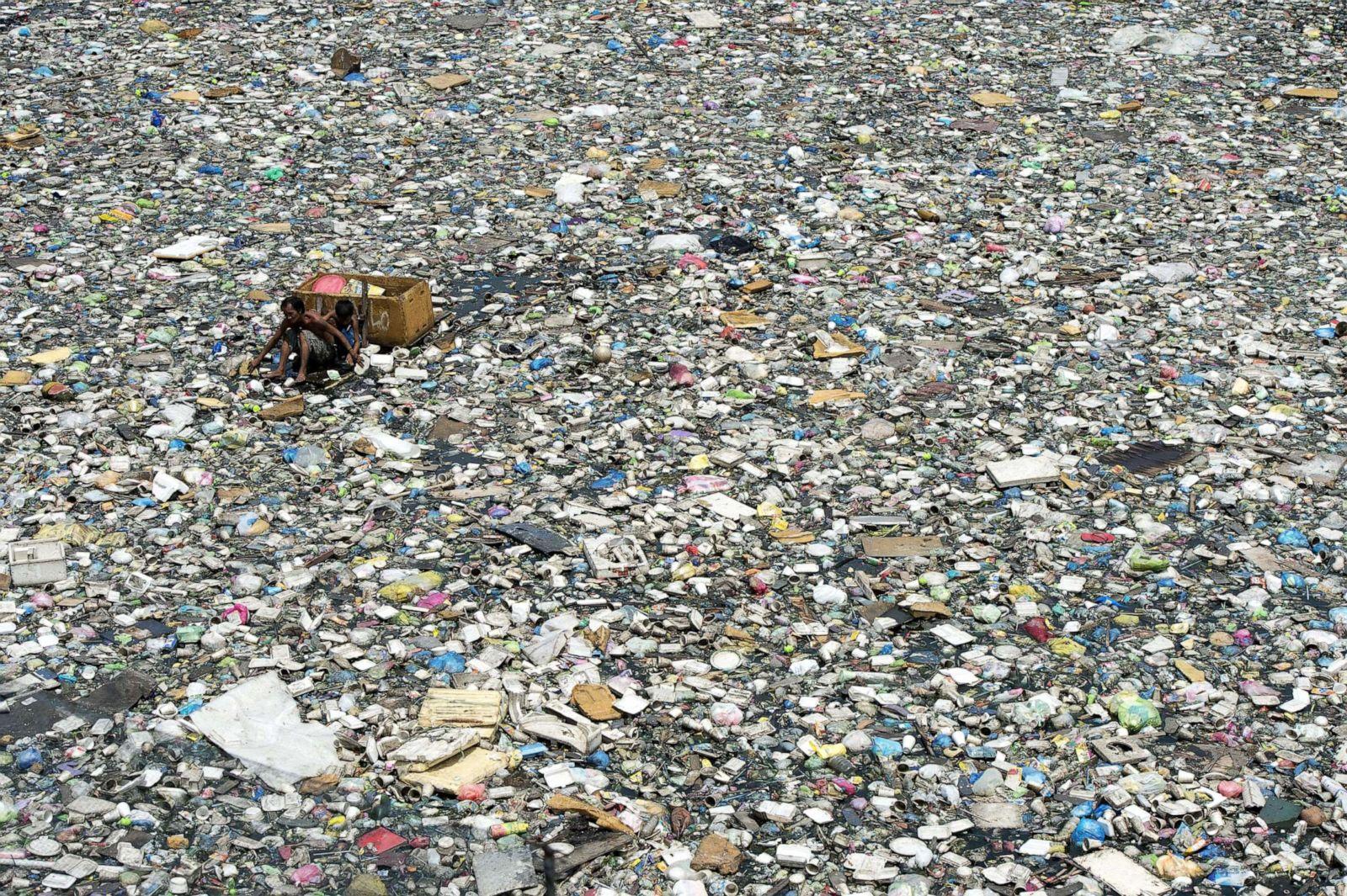 plastic-waste-gty-jpo-190507_hpEmbed_3x2_1600.jpg