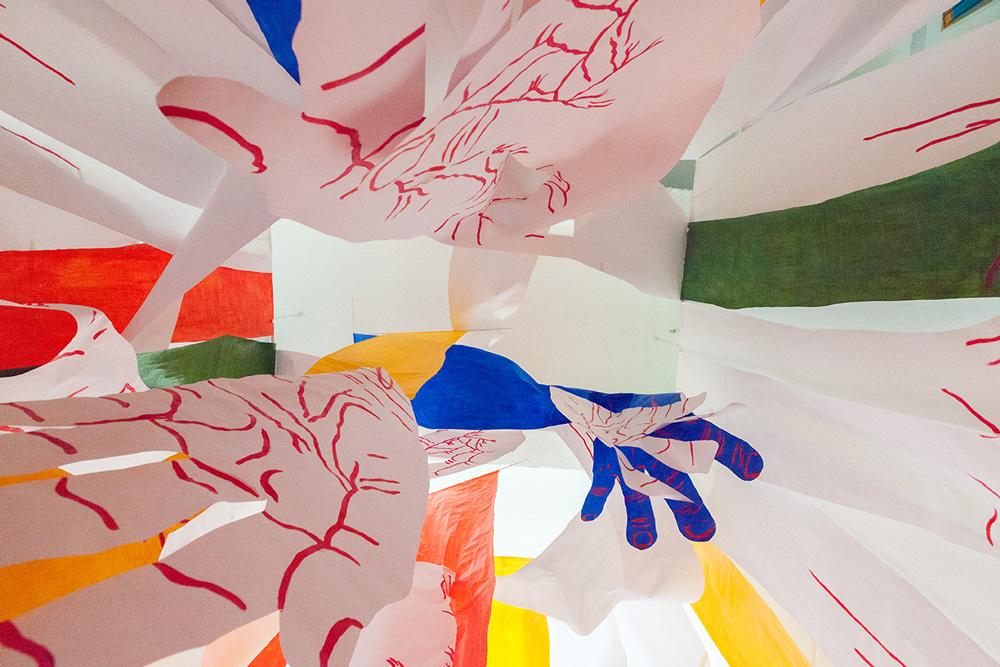hands-tesseract-tangled-up-hands-mirena-rhee-installation_02.jpg